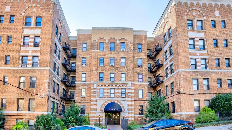 Exterior of 10 Lehigh Avenue in Newark, NJ